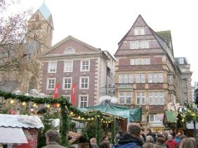 Weihnachtsmarkt auf dem Reinoldikirchplatz | Bildrechte: nickneuwald