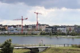 SWAN am PHOENIX See & Microsonic-Verwaltung vom Südufer aus | Bildrechte: nickneuwald