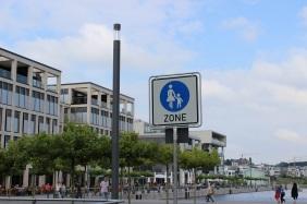 neue Fußgängerzone im Hafenquartier | Bildrechte: nickneuwald