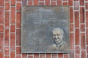 Gedenktafel Rudolf Platte, ehemalige Stifstbrauerei | Bildrechte: nickneuwald