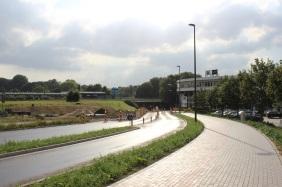 Verkehrsknoten Nortkirchenstraße/Konrad-Adenauer-Allee mit der Stadtbahn-Haltestelle Rombergpark im Hintergrund | Bildrechte: nickneuwald